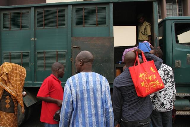 Oyo Chief Judge Frees 84 Agodi Inmates